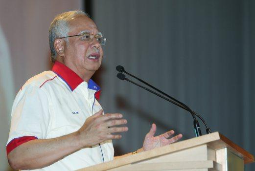 PERDANA Menteri, Datuk Seri Najib Razak menyampaikan ucaptama ketika hadir di Majlis Sempena 50 Tahun MARA di Premiera Hotel. - Foto Yazit Razali