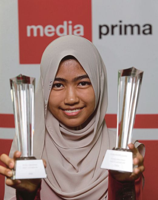 KUALA LUMPUR 03 JUNE 2016. Tokoh Pelajar Anugerah Kecemerlangan 2015 Media Prima, Iffah Umairah Julmajdi. NSTP/YAZIT RAZALI