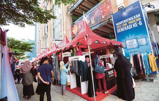 KUALA LUMPUR 03 JUNE 2016. Bazar Ramadan di Menara Mara, Kuala Lumpur. NSTP/ROSELA ISMAIL