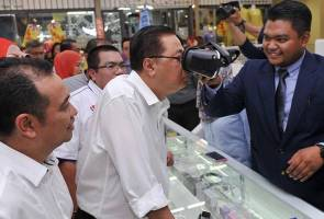 He said said traders at MARA Digital Anggerik Mall would enjoy a six-month rental exemption until their business is stable enough to earn profits. - Bernamapix