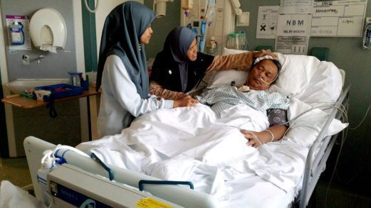 MOHAMAD Sahar Noor terlantar di sebuah hospital di London. - Foto Ihsan Pembaca