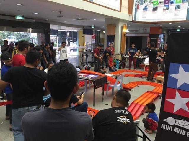 Perlumbaan MARA Merdeka Tamiya Mini 4wd yang melibatkan 60 orang peserta