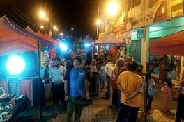 Suasana meriah setiap kali DMara Uptown dibuka pada Sabtu dan Ahad.