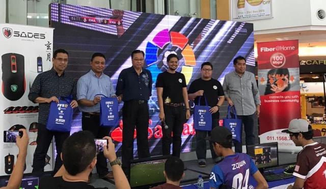 Walkabout YBM KKLW ke MARA Digital FIFA'17 Tournament.